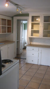 FEBRUARY 1st-huge3bdrm on Oxford Street, near Quinpool