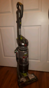 Vacuum cleaner Hoover Air Pro Plus Reg $300 On Sale for $90