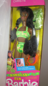 1990 Hawaiian Fun AA Christie Barbie Doll