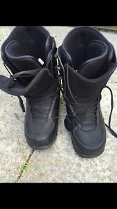 Flow Snowboarding Boots - Size 8.5