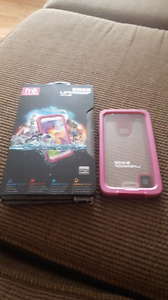Samsung S5 life proof case (WANT GONE ASAP)