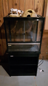 Terrarium with built in heat pad and stand(pick up only)