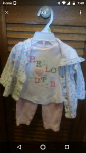 Baby girl's Carter's outfits