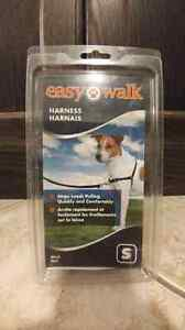 New in box easy walk dog harness(small)