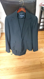 Beautiful black pant suit, Evan-Picone, $30 OBO