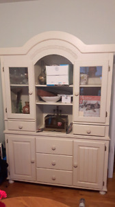 White wooden hutch and cabinet