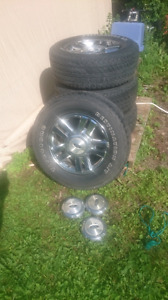 P275/65R18 Firestone tires and chromed Ford alloy wheels