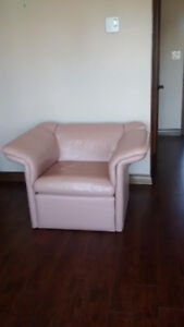 Flesh coloured leather pink chairs! Really comfortable!