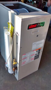 LENNOX DOWN FLOW GAS  FURNACE