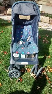 stroller with 2 covers London Ontario image 3