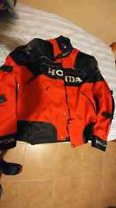 Honda motorcycle gear with liner and full pads