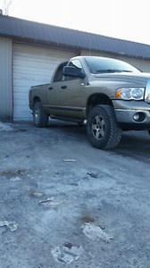 2004 DODGE RAM HEMI 4X4 RUNS GREAT