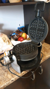 USED 4 TIMES waffle maker