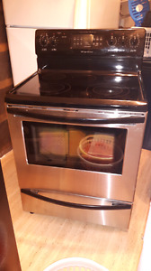 Frigidaire stainless steel self cleaning convection stove