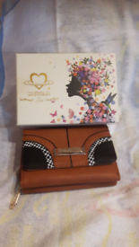 NEW MODA ACCESSORIES PURSE in a lovely gift box