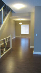 AMAZING NEW 3 BEDROOM TOWNHOUSE IN MAGRATH WITH 2-CAR GARAGE Edmonton Edmonton Area image 7