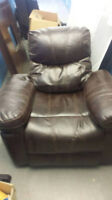 3 seater & 1 seater real leather reclining couch! Only used 3mts
