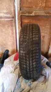Pneu Michelin x ice 215-70R15