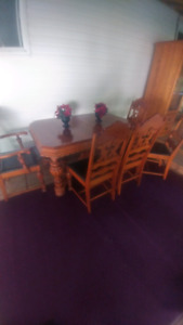 Absolutly beautifull Antique  dining table and chairs