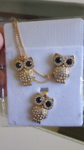New in package owl jewlery set
