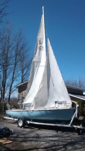 Cygnus 20' Day Sailboat and Trailer with complete eqipment