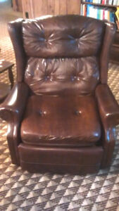 Reclining Chair - Fauteuil Inclinable