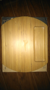 Pampered Chef Reversible Cheese Board
