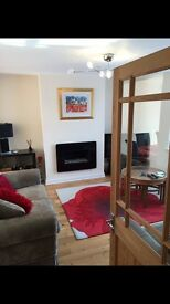 Large double rooms available now .