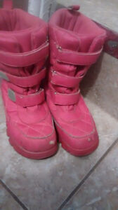 Boots size 4/youth Kitchener / Waterloo Kitchener Area image 1