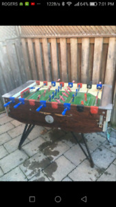 Gitoni/soccer table