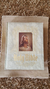 Like New Hertel Holy Bible Red Letter Edition Large Heirloom