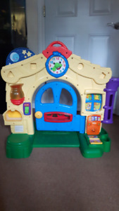 Fisher price façade de maison