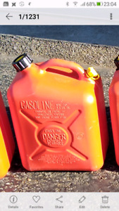 Gas cans / Jerry cans for sale