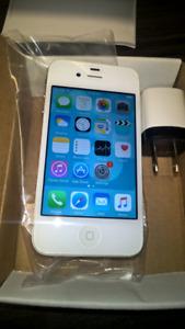 Unlocked original iphone 4s 16GB ,chargeur,box