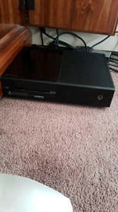Xbox one. Two controllers. 4 games