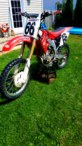 CRF450 excellent condition trade for Enduro