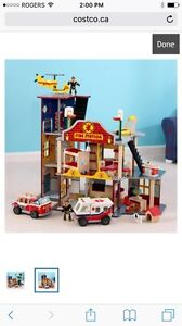 KidKraft Deluxe Wooden Fire station