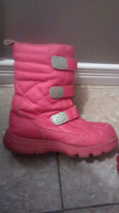 Boots size 4/youth Kitchener / Waterloo Kitchener Area image 2