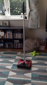 Floor sweeper for all surfaces
