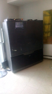 61' Toshiba HD TV - Delivery Available
