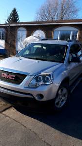 Gmc acadia 2010 awd 8passagers