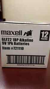 9v batterie alcaline maxell 5$ chaque West Island Greater Montréal image 2