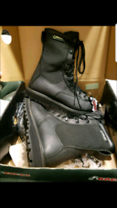 BRAND NEW ROCKY MENS SZ 8 GORE-TEX BOOTS