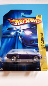 Hot wheels 69 Camaro convertible purple
