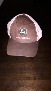 Ladies John Deere hat in pink and brown
