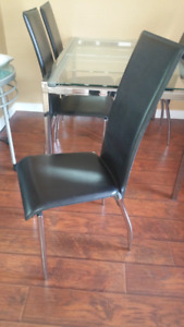 DINING TABLE CHAIRS 4 OF THEM $80