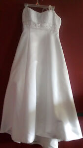 Strapless White A-line Wedding gown