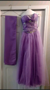 Size 5 Lavender Graduation or Prom Gown