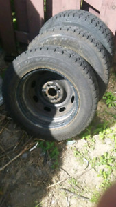 4 pneu 185/65/r14 goodyear nordic winter 4x100
