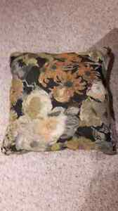 New throw cushions 4 qty